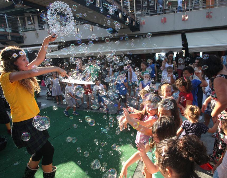 Bubble Games – Κατασκευή κλόουν στο Talos Plaza